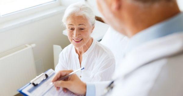 Alzheimer's Screenings Often Overlooked During Senior Wellness Exams